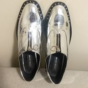 Design Lab Metallic Silver Front Zipper Loafers